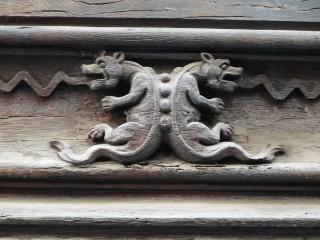 dragons engoulants.jpg